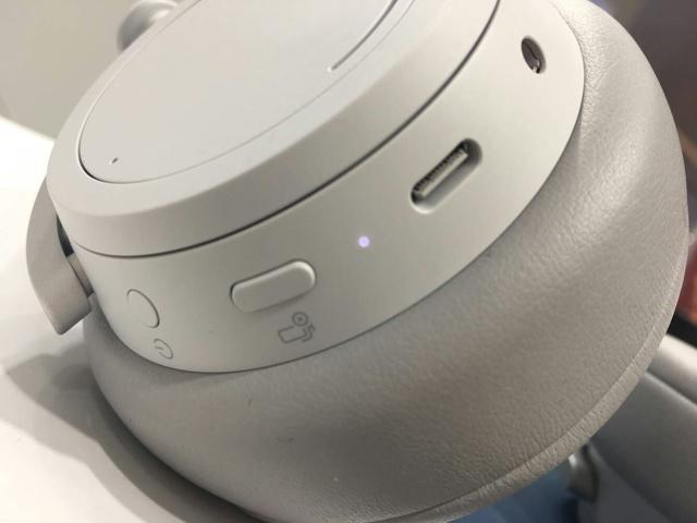 Surface_Headphones_04.jpg