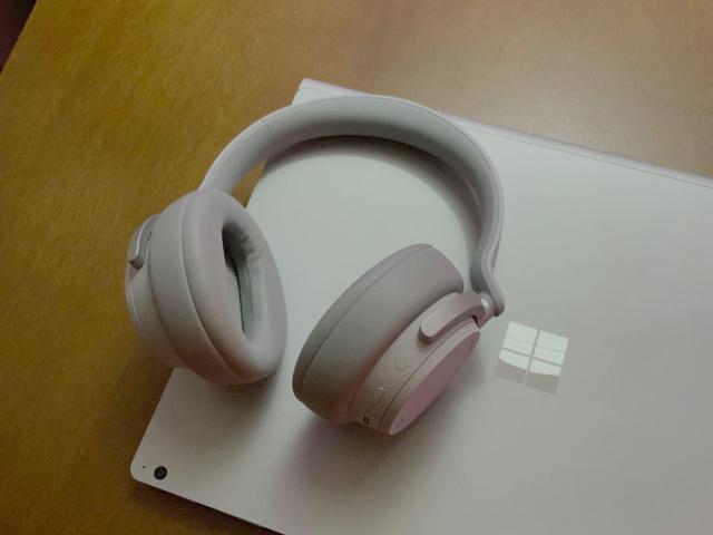 Surface_Headphones_10.jpg