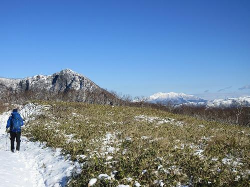 摩周岳登山道第一展望台ルート中斜里岳遠景