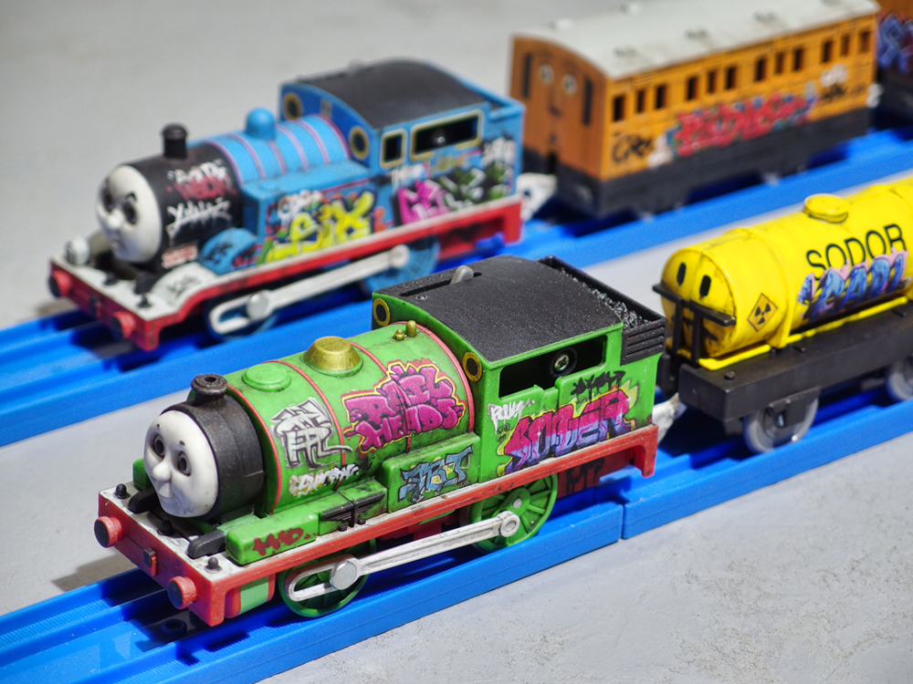 graffitied_thomas_and_friends_01.jpg