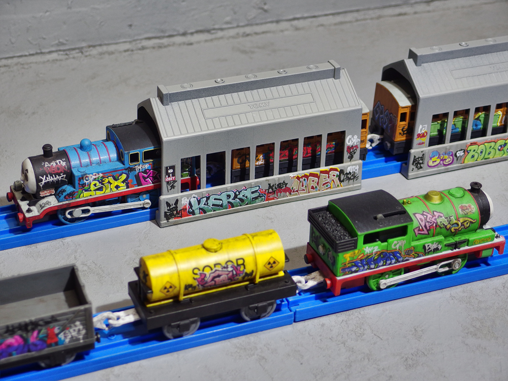 graffitied_thomas_and_friends_02.jpg