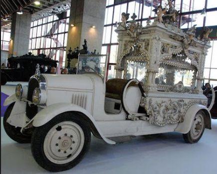 スペインの霊きゅう車