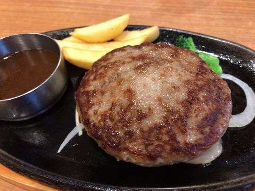 ビッグボーイ 千葉畑町店(チーズインハンバーランチと手こねハンバーグランチ、サラダバー、ドリンクバー)11月のネイル