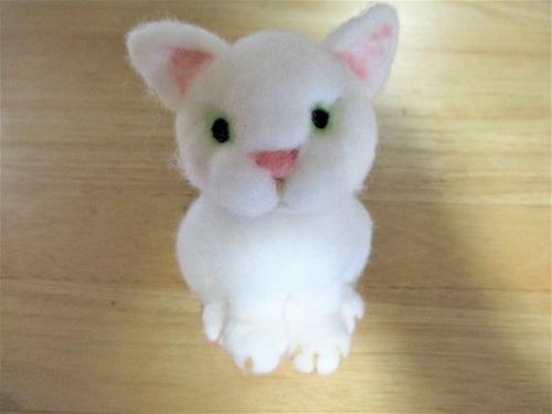 白猫ちゃん立体1