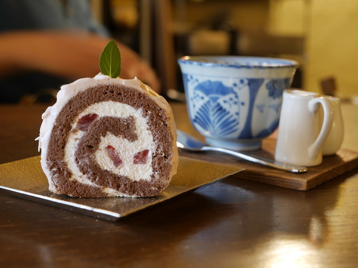 カフェエチカ パティスリーR ロールケーキ