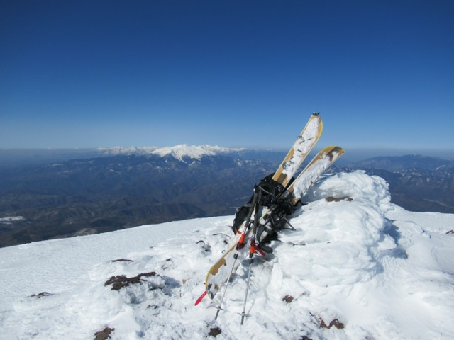 3月25日 継子岳ピークから乗鞍と穂高